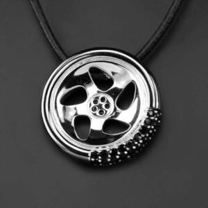 Swarovski nyaklánc hölgyeknek fekete kristályokkal díszített